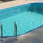 сколько лить белизны в бассейн