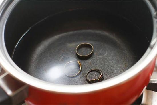 фото кипячения для очистки серебра от черноты