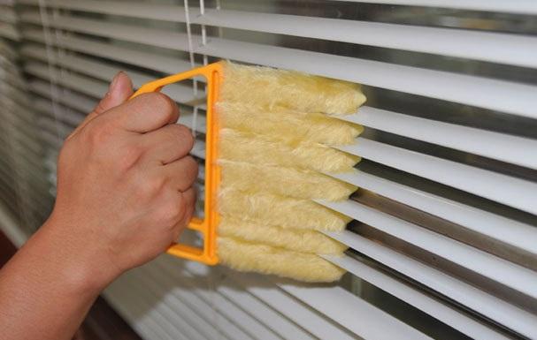 фото специальной щетки для чистки жалюзей