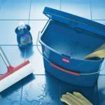 проведение влажой уборки в доме