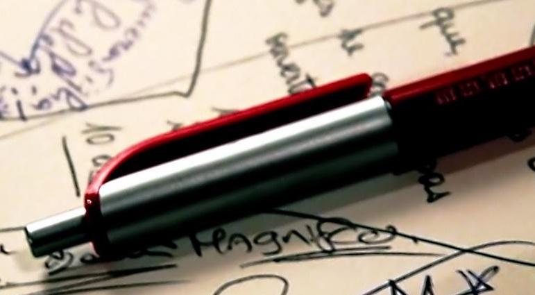 фото ручки, выводящей чернила