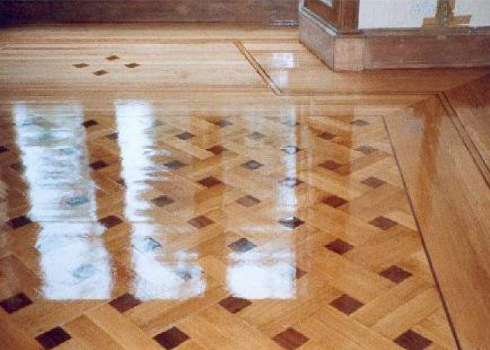 фото блестящего после мытья линоеума на кухне
