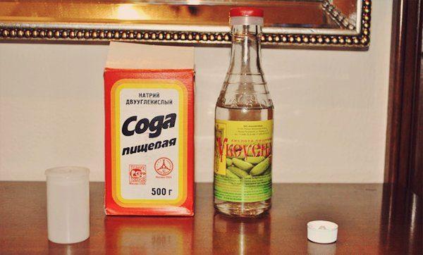 сода и уксус против запаха в шкафу