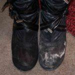 способы быстро убрать соль с обуви
