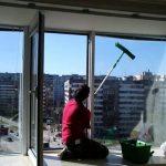 фото как правильно мыть окна на балконе